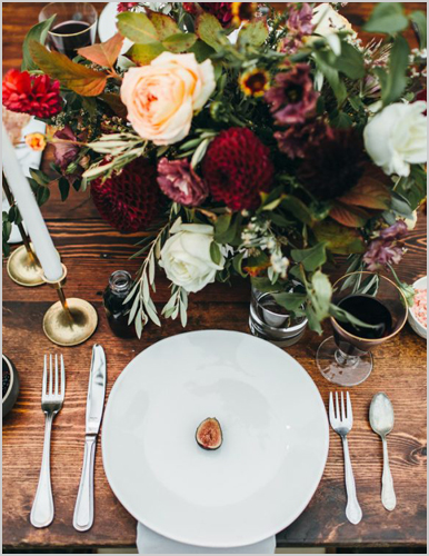I Do And Company Post Image Friday Favorites Fall Wedding Trends tablescape and floral center piece